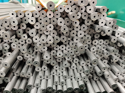Advantages of seamless steel pipes